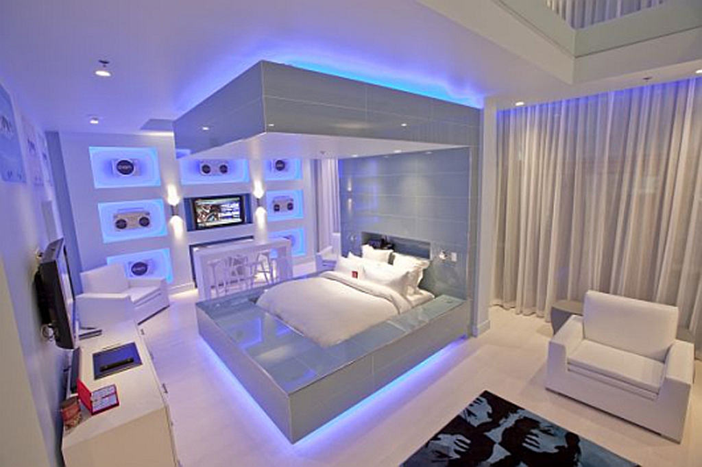Modern hard rock hotel bedroom designs for Cool blue bedroom ideas